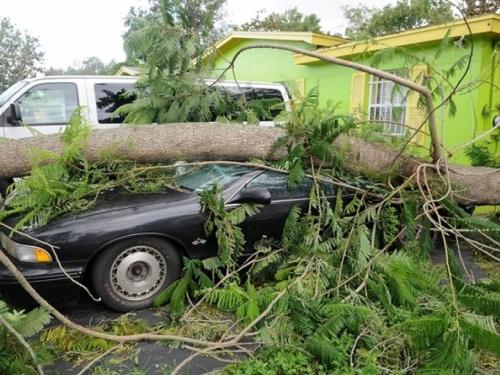 Tropska oluja Irma nastavlja slabiti, postaje tropska depresija
