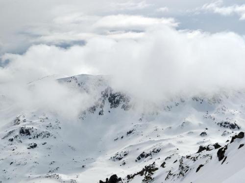 Švicarska: Lavina usmrtila jednu osobu, za tri osobe se još traga