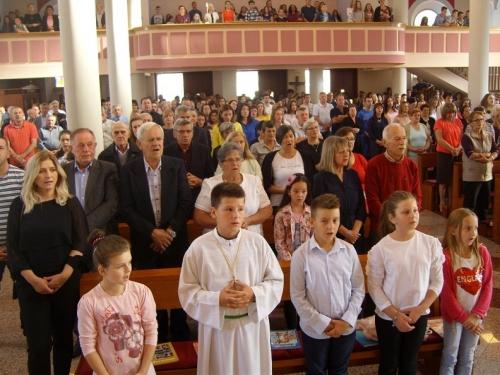 FOTO: Sv. Misa za početak nove katehetske i školske godine u župi Prozor