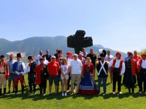 Povijesne hrvatske postrojbe posjetile Ramu i Šćit