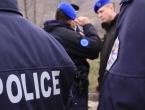 U policijskoj akciji ranjena tri policajaca, uhićeno 30 osoba