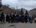 Mještani blokirali Bradinu zbog dolaska migranata