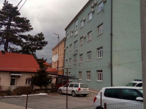 Mladić iz Livna optužen za pokušaj ubojstva brata pušten na slobodu