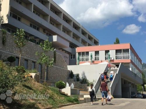 Veliki broj studenata želi u mostarski Dom