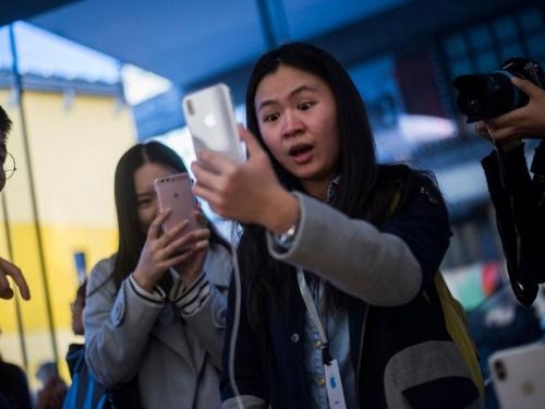 Kinezi uzvraćaju udarac: iPhone će zamijeniti Huaweijevim telefonima