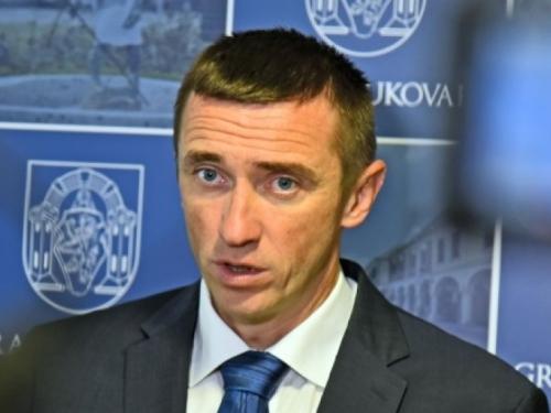 Gradonačelnik Vukovara Ivan Penava i svi gradski vijećnici HDZ-a napustili tu stranku