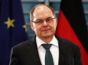 Schmidt: Ja sam ideja Angele Merkel