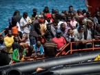 Italija nakon pet dana dopustila migrantima da se iskrcaju s broda