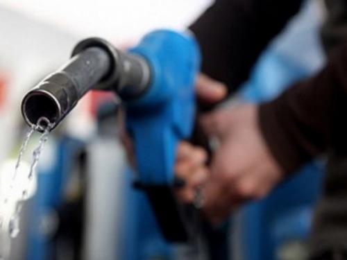 Dok cijene goriva skaču u BiH: U svijetu dolar oslabio, cijene nafte pale
