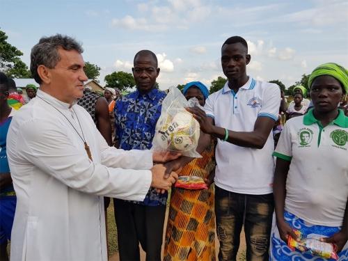 Kod don Ivana Stojanovića u Gani - Podržimo projekte u Tataleu