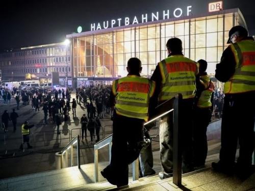 Muškarac se autom zabijao u ljude u Njemačkoj
