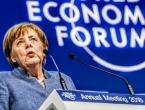 Merkel u Davosu pozvala na jedinstvenu politiku EU te iskritizirala Trumpa i ponašanje SAD-a