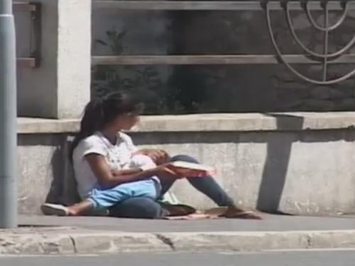 VIDEO  Maloljetničko prosjačenje ponovo u ekspanziji u Mostaru