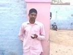 Muškarac sebi odsjekao prst jer je glasovao za pogrešnu stranku na izborima u Indiji