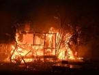Sydney okružen vatrom, temperature i do 50°C