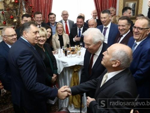 Dodik Inzku: Šta ćeš ti ovdje?! Inzko Dodiku: Ja sam ovdje Tito!