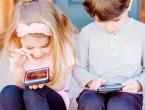 Djeca ranije nauče koristiti tehnologiju nego govoriti