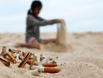 Malo što zagađuje more i plaže kao opušci cigareta