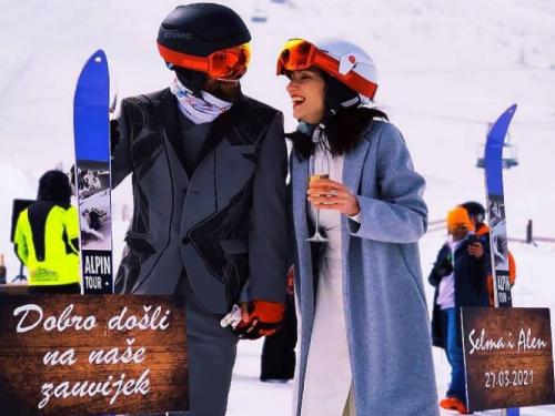 Nesvakidašnje vjenčanje na Bjelašnici: Sudbonosno ''da'' pod punom ski opremom