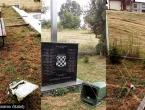 Vandali oskvrnuli spomenik hrvatskim žrtvama kod Živinica