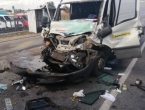 Još jedna drama na bh. prometnicama: Vatrogasci izvlačili vozača iz smrskanog kombija