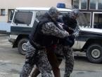 Dvojac harao Tuzlom: Upadali u kuće, društveni dom, a razoružali su i policajce