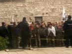 Obračun s policijom: Borci pokušali ući u Parlament FBiH
