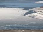 FOTO: Minusi počeli lediti Ramsko jezero