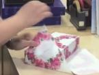 VIDEO: Upakirajte dar za manje od 30 sekundi
