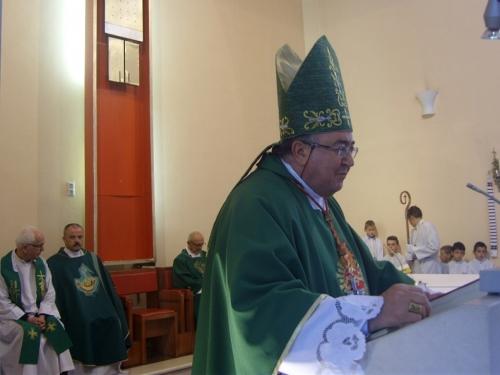 Kardinal Puljić krstio šesto dijete Branka i Ružice Ivančević
