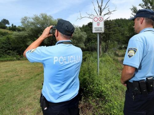 Hrvatska policija u šumi pronašla dva mrtva migranta