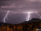 FOTO: Munje parale nebo nad Ramom