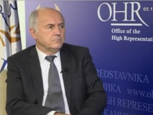 Inzko rekao da Hrvati trebaju imati veća prava, novinarka FTV-a gutala knedlu