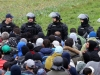 BiH policija kasno navečer kordonom zaustavila migrante