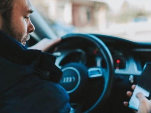 Vozač uživo prenosio vožnju na Facebooku i usmrtio staricu, trudnicu i dijete