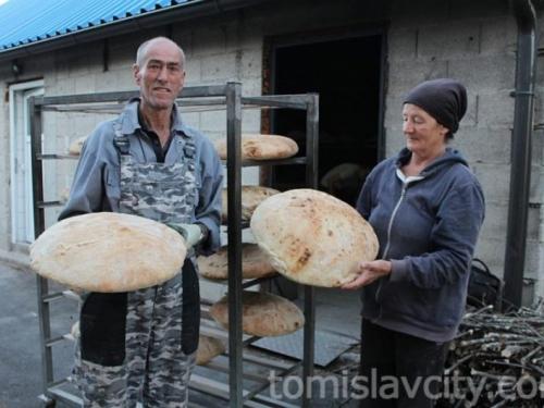 Mokronoški kruh miriše na uspomene
