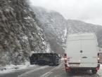 Prevrnuto vozilo na cesti Jablanica - Mostar