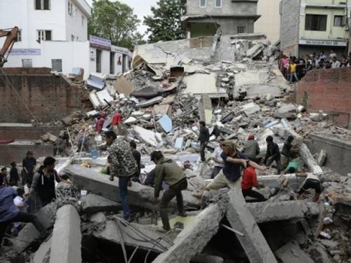 Broj žrtava u Nepalu prešao 6100