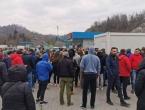 Situacija na granci izmiče kontroli: 'Čekamo ovdje satima bez hrane, vode, ne možemo ni na WC'