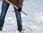 Da ih zima ne iznenadi: Za čišćenje ispred bh. institucija 20.000 KM