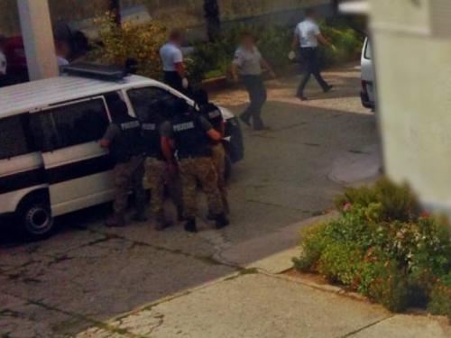 Zatvor u Mostaru: Petorica zatvorenika pokušali pobjeći, u okršaju teže ozlijeđeni policajci