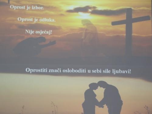 U župi Gračac održan tečaj priprave za brak