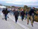 Stanovnici Lezbosa priječe iskrcaj migranata, napali fotoreportere i bacali kamere u more