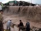Najmanje 53 osobe su poginule, a 60 je povrijeđeno nakon jake kiše