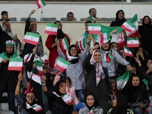 Iranke prvi put nakon revolucije smiju na stadion