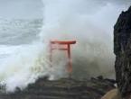 Tajfun prilazi Japanskoj obali, priprema se evakuacija