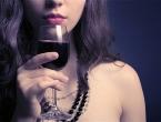 Crno vino je odlično za sjajnu i zdravu kosu