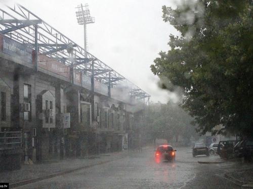 Zbog vjetra i obilne kiše upaljen meteoalarm