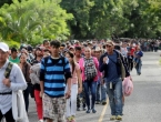 Migrantski val od tisuće migranata krenuo prema sjeveru