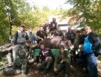 """Lovci lovačke sekcije """"Lug"""" ubili divlju svinju tešku 220 kg"""